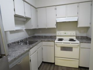 "Photo 3: 208 5906 176A Street in Surrey: Cloverdale BC Condo for sale in ""WYNDAM ESTATES"" (Cloverdale)  : MLS®# R2486082"