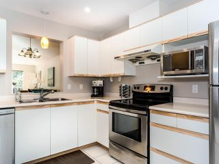 """Photo 7: 311 6860 RUMBLE Street in Burnaby: South Slope Condo for sale in """"Governor's Walk"""" (Burnaby South)  : MLS®# R2491188"""