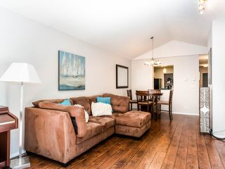 """Photo 4: 311 6860 RUMBLE Street in Burnaby: South Slope Condo for sale in """"Governor's Walk"""" (Burnaby South)  : MLS®# R2491188"""