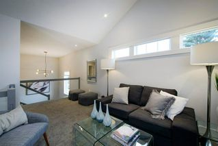 Photo 23: 14 White Oak Crescent SW in Calgary: Wildwood Detached for sale : MLS®# A1042247