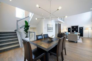 Photo 11: 14 White Oak Crescent SW in Calgary: Wildwood Detached for sale : MLS®# A1042247