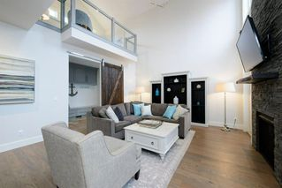 Photo 12: 14 White Oak Crescent SW in Calgary: Wildwood Detached for sale : MLS®# A1042247