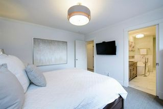 Photo 34: 14 White Oak Crescent SW in Calgary: Wildwood Detached for sale : MLS®# A1042247