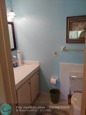 Photo 4: 1751 S Ocean Blvd in Lauderdale By The Sea: House for sale