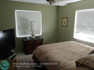 Photo 9: 1751 S Ocean Blvd in Lauderdale By The Sea: House for sale