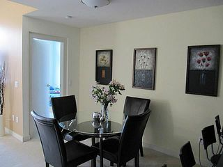 Photo 3: 413 1633 MACKAY Avenue in North Vancouver: Pemberton NV Condo for sale : MLS®# V993603