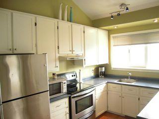 Photo 3: 208 Sydney Avenue in WINNIPEG: East Kildonan Residential for sale (North East Winnipeg)  : MLS®# 1306425