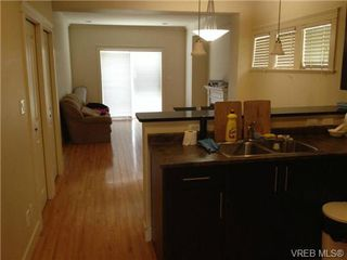 Photo 5: 28 2210 Sooke Rd in VICTORIA: Co Hatley Park Row/Townhouse for sale (Colwood)  : MLS®# 677745