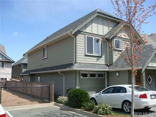 Photo 2: 28 2210 Sooke Rd in VICTORIA: Co Hatley Park Row/Townhouse for sale (Colwood)  : MLS®# 677745