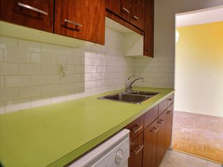 Photo 3: 8L 300 Roslyn Road: Condominium for sale (Central Winnipeg)  : MLS®# 1424354