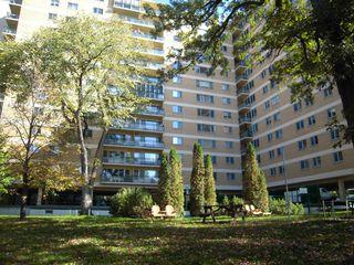 Photo 2: 8L 300 Roslyn Road: Condominium for sale (Central Winnipeg)  : MLS®# 1424354