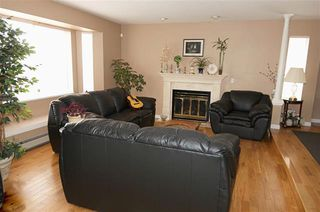 Photo 3: Coquitlam: Condo for sale : MLS®# R2071564