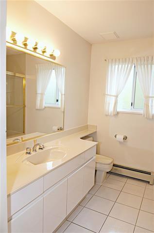 Photo 16: Coquitlam: Condo for sale : MLS®# R2071564
