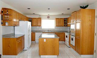 Photo 5: Coquitlam: Condo for sale : MLS®# R2071564