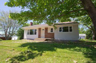 Photo 2: 10 Devon: Sackville House for sale : MLS®# M13427