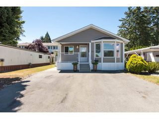 Photo 2: 57 1840 160 STREET in Surrey: King George Corridor Manufactured Home for sale (South Surrey White Rock)  : MLS®# R2283012