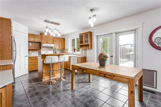 Photo 4: 438 DOUGLAS WOODS ME SE in Calgary: Douglasdale/Glen House for sale : MLS®# C4210900