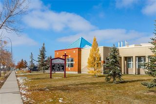 Photo 45: 438 DOUGLAS WOODS ME SE in Calgary: Douglasdale/Glen House for sale : MLS®# C4210900