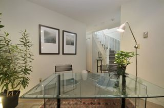 """Photo 7: 11 2485 CORNWALL Avenue in Vancouver: Kitsilano Townhouse for sale in """"CORNWALL COURT"""" (Vancouver West)  : MLS®# R2412109"""