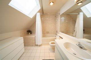 """Photo 14: 11 2485 CORNWALL Avenue in Vancouver: Kitsilano Townhouse for sale in """"CORNWALL COURT"""" (Vancouver West)  : MLS®# R2412109"""