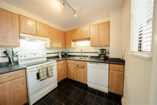 """Photo 8: 11 2485 CORNWALL Avenue in Vancouver: Kitsilano Townhouse for sale in """"CORNWALL COURT"""" (Vancouver West)  : MLS®# R2412109"""