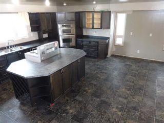 Photo 2:  in Edmonton: Zone 27 House for sale : MLS®# E4179375