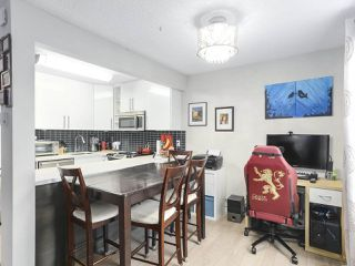 Photo 4: 404 1875 W 8TH Avenue in Vancouver: Kitsilano Condo for sale (Vancouver West)  : MLS®# R2426183
