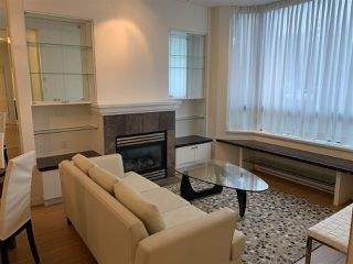 "Photo 3: TH1 6659 SOUTHOAKS Crescent in Burnaby: Highgate Townhouse for sale in ""GEMINI II"" (Burnaby South)  : MLS®# R2442488"