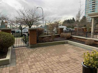 "Photo 2: TH1 6659 SOUTHOAKS Crescent in Burnaby: Highgate Townhouse for sale in ""GEMINI II"" (Burnaby South)  : MLS®# R2442488"