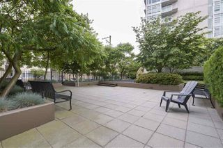 "Photo 20: 703 1068 W BROADWAY in Vancouver: Fairview VW Condo for sale in ""THE ZONE"" (Vancouver West)  : MLS®# R2465668"