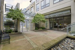 "Photo 5: 703 1068 W BROADWAY in Vancouver: Fairview VW Condo for sale in ""THE ZONE"" (Vancouver West)  : MLS®# R2465668"