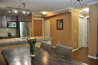 "Photo 6: 213 3082 DAYANEE SPRINGS Boulevard in Coquitlam: Westwood Plateau Condo for sale in ""LANTERNS"" : MLS®# R2481705"