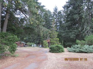 Photo 3: 480 Torrence Rd in : CV Comox Peninsula Manufactured Home for sale (Comox Valley)  : MLS®# 851775