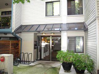 """Photo 2: 319 1422 E 3RD Avenue in Vancouver: Grandview Woodland Condo for sale in """"La Contessa"""" (Vancouver East)  : MLS®# R2490928"""
