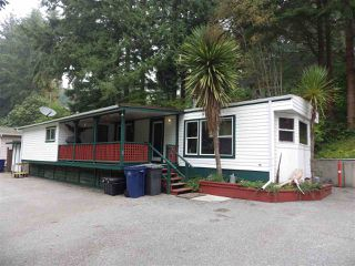 Photo 1: 3 5302 SELMA PARK Road in Sechelt: Sechelt District Manufactured Home for sale (Sunshine Coast)  : MLS®# R2498079
