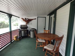 Photo 2: 3 5302 SELMA PARK Road in Sechelt: Sechelt District Manufactured Home for sale (Sunshine Coast)  : MLS®# R2498079