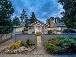 Photo 2: 1472 FULTON Avenue in West Vancouver: Ambleside House for sale : MLS®# R2499022