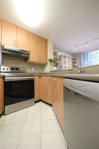 "Photo 15: 109 5380 OBEN Street in Vancouver: Collingwood VE Condo for sale in ""URBA BY BOSA"" (Vancouver East)  : MLS®# R2505860"