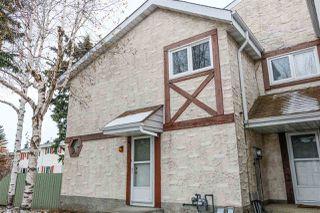 Photo 2: 4C Callingwood CT in Edmonton: Zone 20 Townhouse for sale : MLS®# E4218963