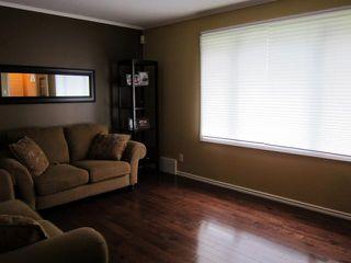 Photo 4: 785 Harbison Avenue East in WINNIPEG: East Kildonan Residential for sale (North East Winnipeg)  : MLS®# 1212027