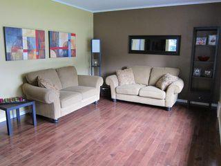 Photo 3: 785 Harbison Avenue East in WINNIPEG: East Kildonan Residential for sale (North East Winnipeg)  : MLS®# 1212027