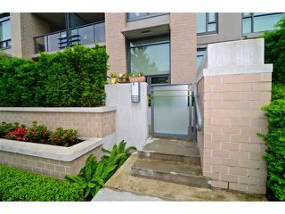 "Photo 10: 109 750 W 12TH Avenue in Vancouver: Fairview VW Condo for sale in ""TAPESTRY"" (Vancouver West)  : MLS®# V956628"