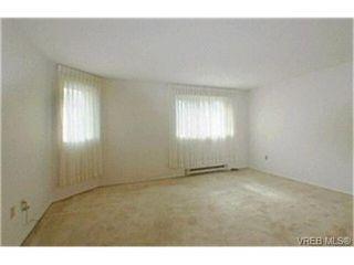 Photo 5: 302 945 McClure St in VICTORIA: Vi Fairfield West Condo Apartment for sale (Victoria)  : MLS®# 369936