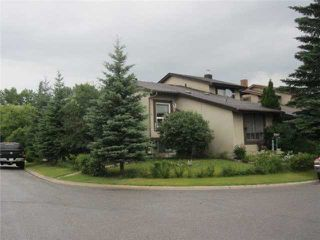 Photo 1: 15 PINECLIFF Close NE in CALGARY: Pineridge Residential Attached for sale (Calgary)  : MLS®# C3627637
