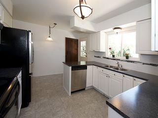Photo 7: 868 52A Street in Tsawwassen: Tsawwassen Central House for sale : MLS®# V1078346