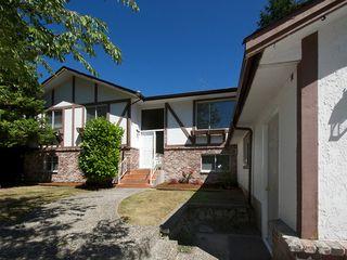 Photo 2: 868 52A Street in Tsawwassen: Tsawwassen Central House for sale : MLS®# V1078346