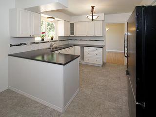 Photo 6: 868 52A Street in Tsawwassen: Tsawwassen Central House for sale : MLS®# V1078346