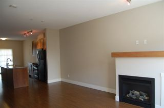 Photo 4: 1263 STONEMOUNT PLACE in Squamish: Downtown SQ Townhouse for sale : MLS®# R2049208