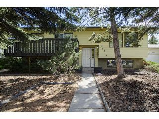 Photo 1: 355 NORSEMAN RD NW in Calgary: North Haven Upper House for sale : MLS®# C4062934