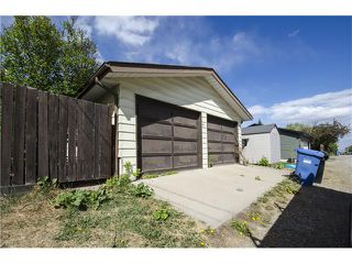 Photo 21: 355 NORSEMAN RD NW in Calgary: North Haven Upper House for sale : MLS®# C4062934